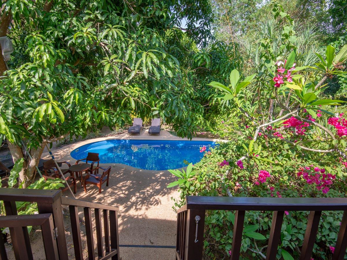 Baan Don - pool area