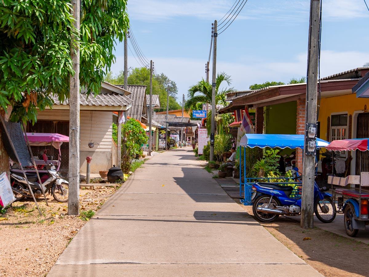 Ban Koh Jum (the town)